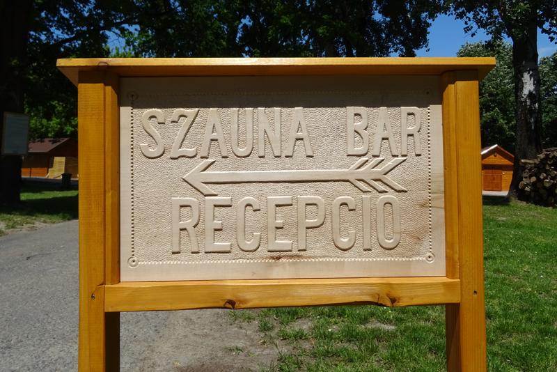Információs tábla a szaunaparkban